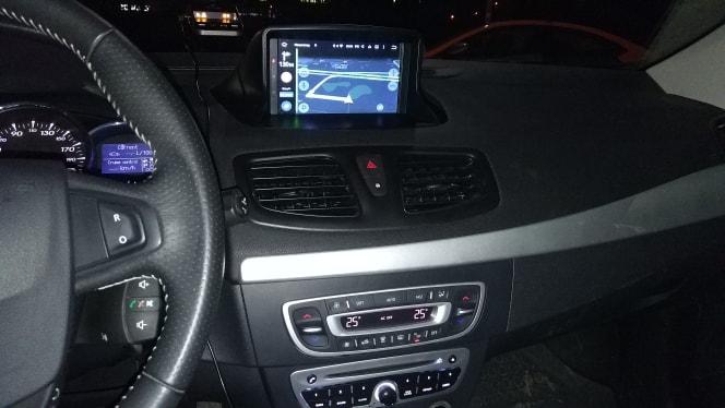 Renault_Megane_3_4_64_GB_PX5_Android_radio_nawigacja_zdjęcie_po_montażu_3