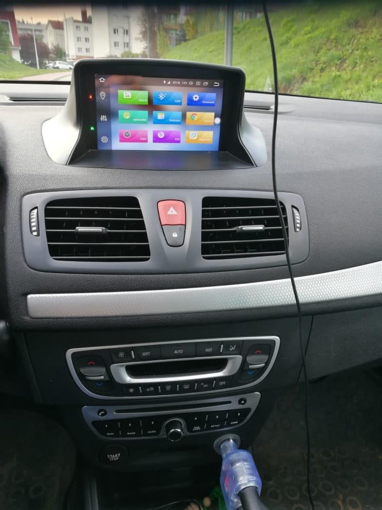 Renault_Megane_3_4_64_GB_PX5_Android_radio_nawigacja_zdjęcie_po_montażu_2