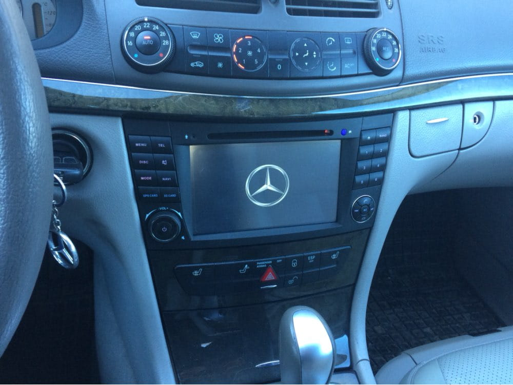 Radio_2_din_Mercedes_W211_PX5_4_64_GB_Android_montaż_3